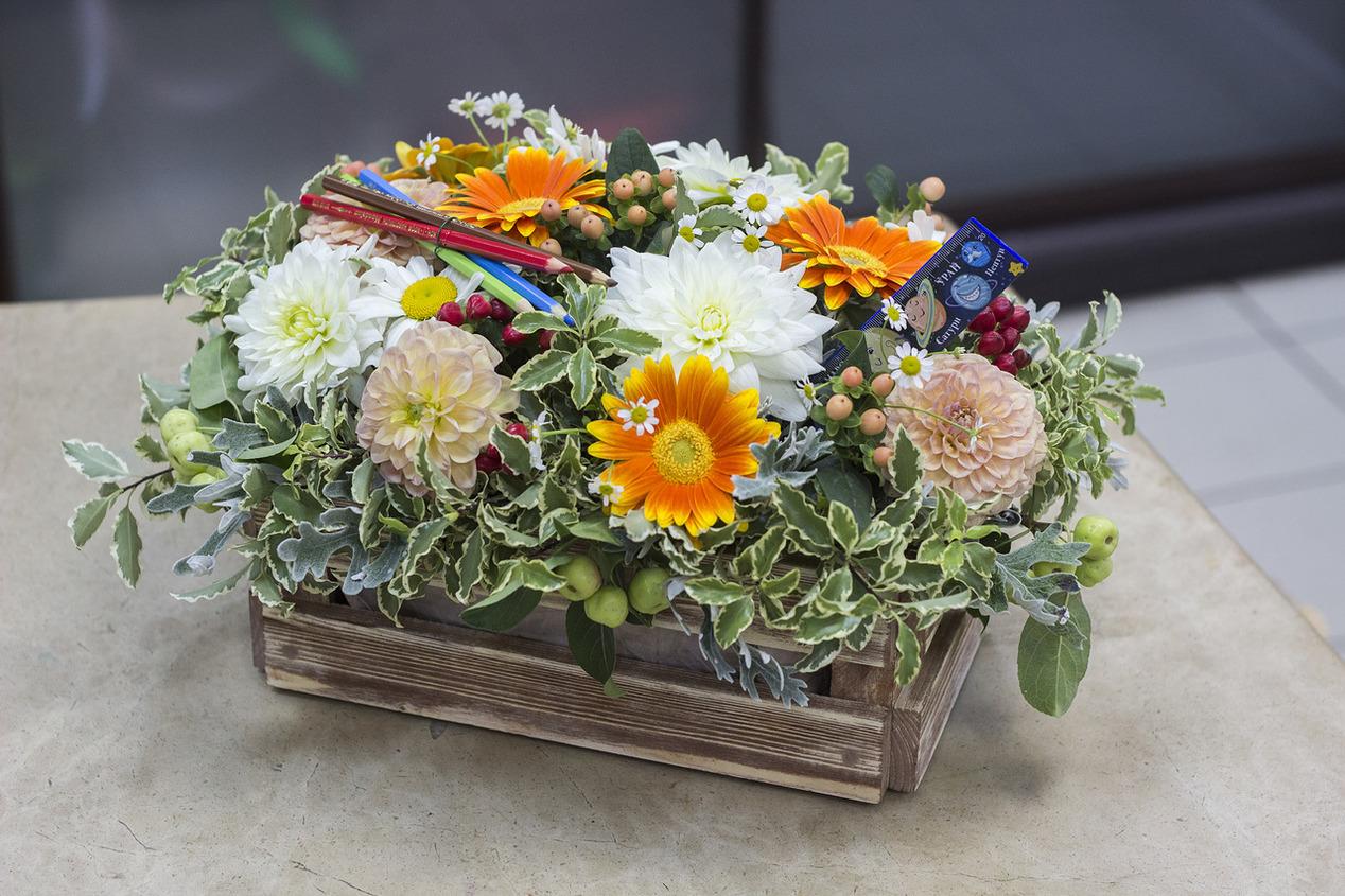 Композиции из живых садовых цветов своими руками