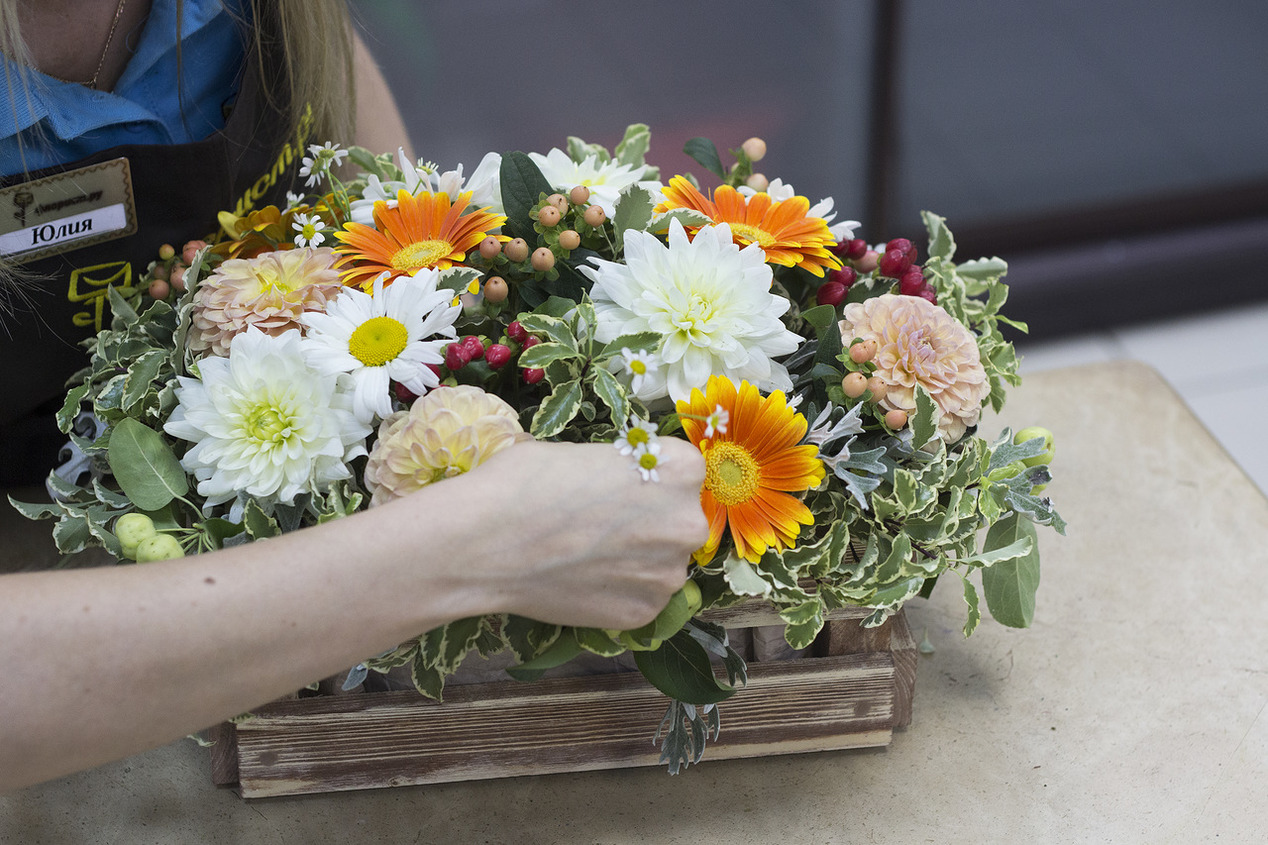 Букеты из цветов на день учителя фото