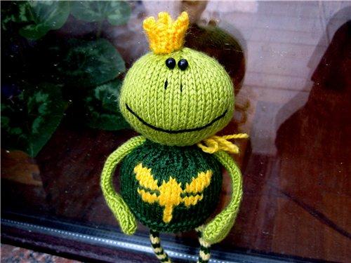Вязаные игрушки.  Царевна -лягушка.