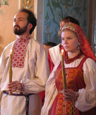 Серия фотографий с летней свадьбы в русском стиле.