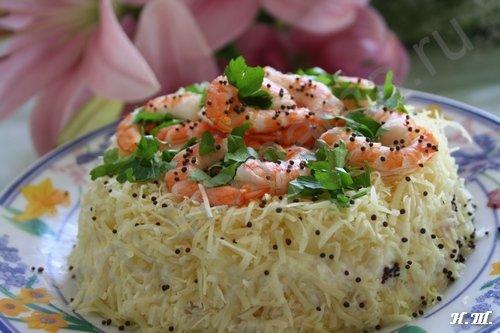 Салат с креветками ананасом грибами и сыром