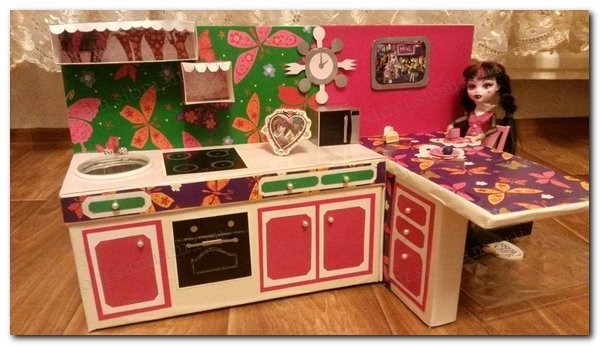 Как сделать кухню для кукол из картона