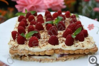 Пять рецептов вкусных блюд с малиной: торт, печенье и другие лакомства